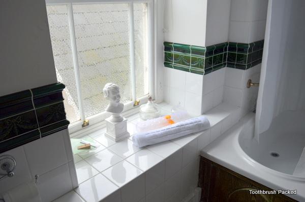 kerrington house family room bathroom